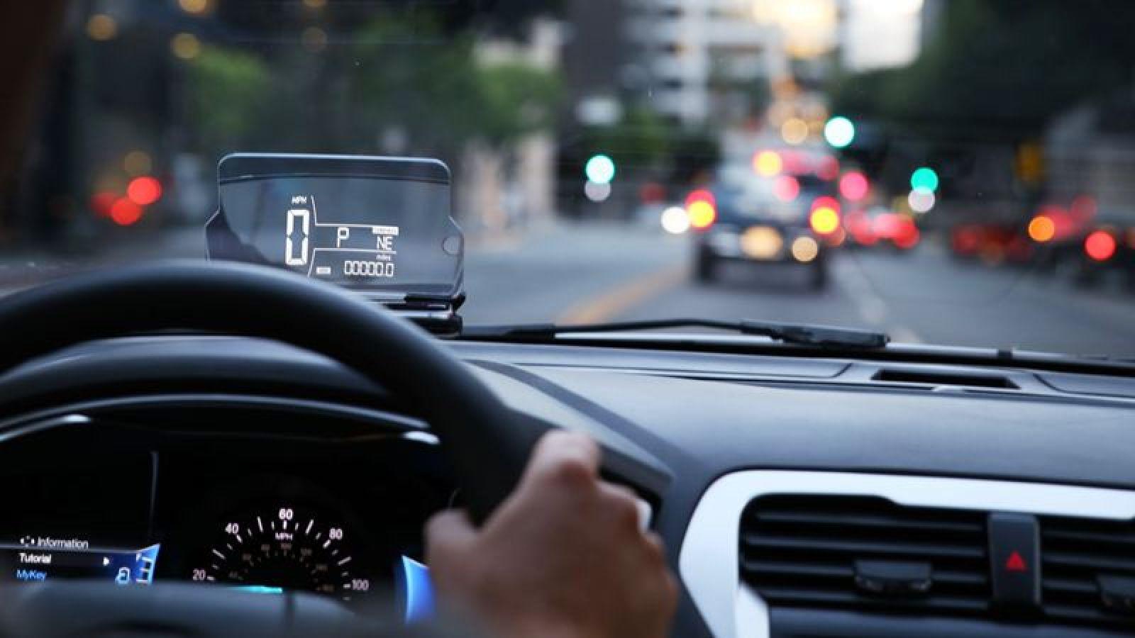 Công nghệ ô tô - Màn hình Head-up lớn, đẹp, nhiều thông tin